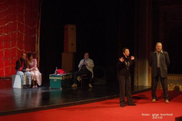 l-assassino-e-in-teatrosipario-amico2010007