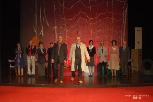 l-assassino-e-in-teatrosipario-amico2010026